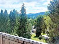 Pohled z balkonu Penzionu Šumaváček - ubytování Bayerisch Eisenstein