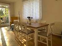 Jídelní část - pronájem apartmánu Lipno nad Vltavou