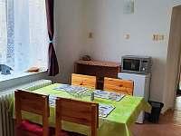 Kuchyně+jídelna - apartmán k pronájmu Zelená Lhota