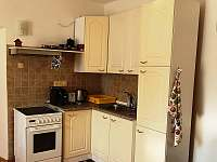 Kuchyně+jídelna - pronájem apartmánu Zelená Lhota