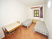 Dvojlůžkový pokoj - chalupa ubytování Hojsova Stráž