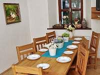 Jídelna (společenská místnost) - chalupa ubytování Hojsova Stráž