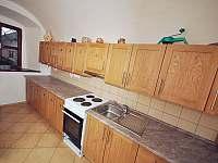 Kuchyně - pronájem chalupy Hojsova Stráž