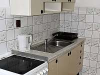 kuchyně - chalupa k pronájmu Podmokly