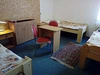 Apartmán 7 osob - třílůžkový pokoj - k pronájmu Nové Hutě