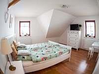 Nově zařízená villa v srdci Lipna - vila - 16