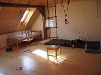 Ložnice - herna - chalupa ubytování Šumavské Hoštice