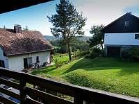 POhled z balkonu z ložnic - chalupa ubytování Horní Planá - Hory
