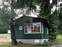 Zelená RETRO chata B - pohled na chatu - Hnačov