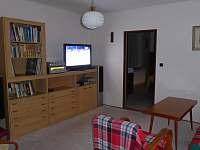 Obývák-přízemí - chalupa ubytování Malonice