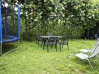 zahrada - apartmán k pronájmu Lipno nad Vltavou