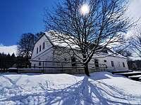 Chalupa Černé Údolí zima - k pronajmutí