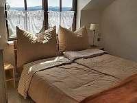Ložnice 1 apartmán v horním patře - k pronajmutí
