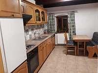 Kuchyně - chalupa k pronajmutí Olšina