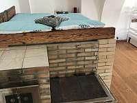 Manželská postel na peci - Milejovice