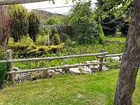 zahrada - pronájem chalupy Čkyně