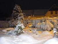 Chalupa ERAD - zahrada v zimě