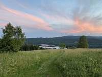 Lipenské jezero z kopce Marta při západu slunce - Frymburk