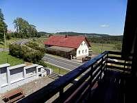 pohled z balkonu - chalupa k pronajmutí Čachrov - Jesení