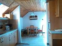 Apartmán v patře - jídelní kout - chata k pronajmutí Lipno nad Vltavou - Kobylnice