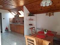 Apartmán v patře - kuchyňský kout - chata k pronájmu Lipno nad Vltavou - Kobylnice