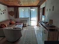 Apartmán v přízemí - obývací pokoj - chata k pronajmutí Lipno nad Vltavou - Kobylnice