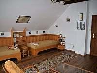Druhá ložnice dvě postele a možnost dětské postýlky. - Petrovice u Sušice - Vojetice