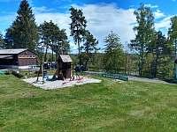 Chata č. 2 - dětské hřiště - ubytování Hnačov