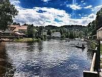Sjezd řeky Vltavy u apartmánů - Rožmberk nad Vltavou