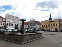 Sušice - měšťanské domy na náměstí - pronájem apartmánu