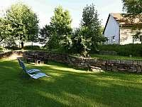 venkovní posezení - chalupa ubytování Frymburk - Posudov