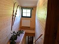 Vstup do podkroví - apartmán k pronájmu Stachy
