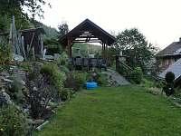 Apartmán Lipno-zahrada s posezením krbem