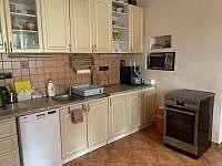 Kuchyně - chalupa ubytování Velenovy