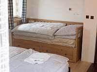 Ložnice 1 - chalupa k pronájmu Svojše