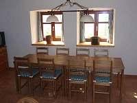 Chalupa Pazderna - společenská místnost - ubytování Nezdice na Šumavě