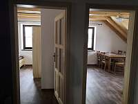 2kk pohled z chodby - apartmán ubytování Kvilda
