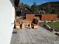Posezení na terase - chata k pronájmu Zátoň - Kaplice