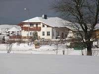 Penzion Milná-poslední dům v Milné vpravo ,trasa Frymburk - Černá v Pošumaví