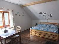 čtyřlůžkový apartmán - chalupa k pronájmu Čeňkova Pila