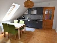 Apartmán A - kuchyňská linka - k pronajmutí Nový Dvůr