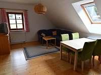 Apartmán A - obývací pokoj + k.k.