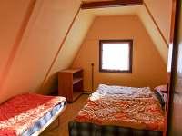 6tilůžková chata - větší ložnice - k pronajmutí Horní Planá - Jenišov