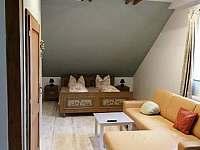 Pokoj v patře ložnice s pěti lůžky - Zdíkov - Nový Dvůr