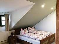 Pokoj v patře ložnice s pěti lůžky - chalupa k pronájmu Zdíkov - Nový Dvůr