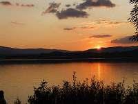 Západ slunce nad Lipnem.