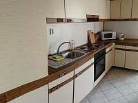 kuchyně - pronájem chalupy Petrovice u Sušice