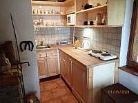 kuchyňský kout - chata k pronajmutí Nová Pec