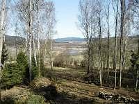 pohled od chaty brzy na jaře - pronájem Nová Pec