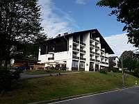 Hotel z venku - apartmán ubytování Mitterfirmiansreut - Mitterdorf